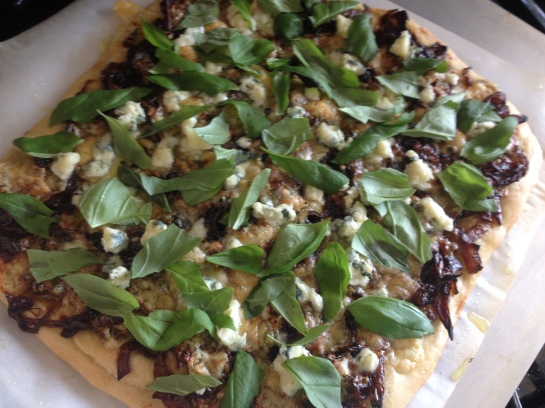 Olas & Chanclas | Carmalized Balsamic Onion and Blue Cheese Pizza with Basil